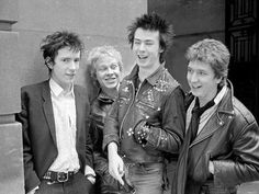 Johnny Rotten, Paul Cook, Sid Vicious and Steve Jones Punk Boy, 70s Punk, Sid And Nancy, Pretty Punk, Johnny Rotten, Acid House, One Wave, The Clash, Music Icon