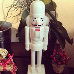 Make your own nutcracker crackers kit pinterest christmas casse noisette solutioingenieria Image collections