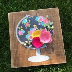A new floral globe has been added to my Etsy page and is ready for her new home…