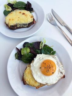 Croque Monsieur and Croque Madame French Sandwich, Paninis, Ham And Cheese, French Food, Avocado Egg, Bagels, Sandwiches, Brunch, Eggs