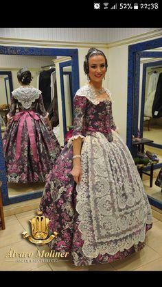 Álvaro Moliner San Juan Festival, Old Dresses, Folk Costume, Belle Epoque, Nightgown, Traditional Dresses, 18th, My Style, Fashion