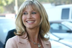 Olivia Newton-John turns 67 this weekend. Let's rank her greatest songs Olivia Newton John Young, Olivia Newton Jones, Happy Birthday Olivia, Peruvian Recipes, Short Hair Styles Easy, Celebs, Celebrities, Health And Beauty, Love Her