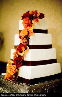 Absolutely amazing wedding cake.  Would be gorgeous for a fall wedding especially.