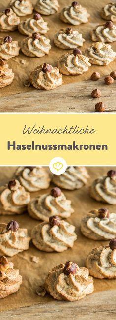 In der nussigen Variante des Makronen-Klassikers übernehmen Haselnüsse die Hauptrolle und präsentieren sich wunderbar leicht, fluffig und nicht zu süß. (Baking Cakes Fruit)