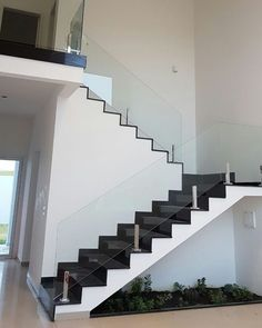 Stairs Tiles Design, Staircase Design Modern, Staircase Railing Design, Concrete Staircase, House Staircase, Home Stairs Design, Modern Stairs, Railings, House Front Design