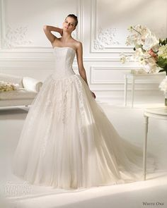 White One Wedding Dresses 2013   Wedding Inspirasi