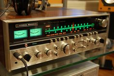 Technics/NP SA-6800X Quadraphonic receiver. 25 RMS/channel x4, bridged into 8 ohms, 50 RMS/channel x2. Want!