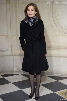 PHOTOS - Isabelle Huppert au défilé Haute Couture Printemps-Été 2014 Christian Dior.