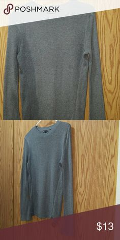 WHO WHAT WEAR Heather Grey Bell Sleeve Sweater Cute Grey Bell Sleeve Sweater Excellent condition  Size Large who what wear Sweaters