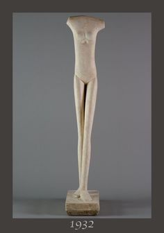 "The ""WOMAN WALKING"" - 1932 realized by ALBERTO GIACOMETTI (1901-1966) - This Swiss sculptor of the movement ""ECOLE DE PARIS"" (all artists between 1905 and 1939) ... Giacometti works with his friends, young painters and sculptors: Modigliani, Soutine, Foujita, Kahlo, Chagall, Rivera, Indenbaum, Bourdelle, Orloff, Brancusi, Valadon, Kikoine, Bugatti, Laurencin, Matisse, Miro, Picasso, Leger, Archipenko, Bonnard, Lipchitz, Utrillo … Plaster ""Woman warking"": 60 x 11 x 15.4 in. (152 x 28 x 39 cm)"
