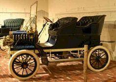 1904 Auburn. Auburn Automobile Company. 1900-1937