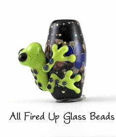 Rocket+Frog+on+a+Floral+Lampwork+Focal1+por+allfiredupglassbeads,+$32.00