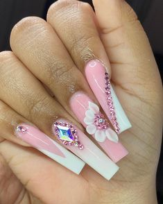 Acrylic Nails Coffin Pink, Long Square Acrylic Nails, Summer Acrylic Nails, Coffin Nails, Aycrlic Nails, Bling Nails, Jugend Mode Outfits, Nails Design With Rhinestones, Exotic Nails