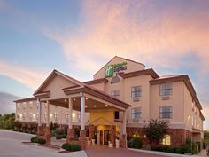 Kerrville (TX) Holiday Inn Express Hotel & Suites Kerrville United States, North America Holiday Inn Express Hotel & Suites Kerrville is a popular choice amongst travelers in Kerrville (TX), whether exploring or just passing through. Offering a variety of facilities and services, the hotel provides all you need for a good night's sleep. Take advantage of the hotel's free Wi-Fi in all rooms, facilities for disabled guests, Wi-Fi in public areas, car park, business center. Guest...