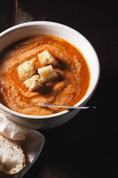 roasted tomato soup-- super fast and easy! /