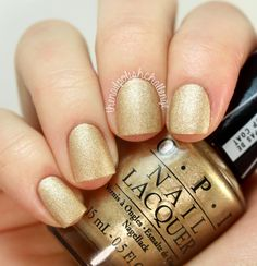 The best collection of 100 Beautiful Gold Glitter Nail Polish Art Gold Glitter Nail Polish, Gold Nail Art, Nail Polish Art, Popular Nail Designs, Nail Art Designs, Opi Nails, Manicure, Golden Nails, Beauty Bar