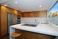 Gas cooktop and stainless steel appliances