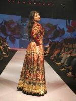 Hot Shriya Saran Ramp Walk At Madame Style Week 2014 | http://cinemaza.co.in/events/hot-shriya-saran-ramp-walk-madame-style-week-2014