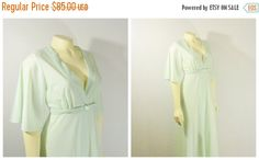 CLOTHING SALE Vintage Robe Dressing Gown by 2sweet4wordsVintage