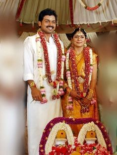 super Ideas for wedding couple pictures marriage indian wedding couple Wedding Couple Pictures, Wedding Couples, Wedding Photos, South Indian Weddings, South Indian Bride, Flower Garland Wedding, Wedding Garlands, Wedding Decorations, Flower Garlands