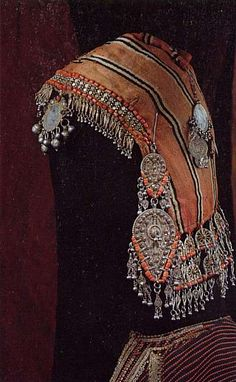 Yemen | Quarqus ~ Head covering in silk, coral, silver and silver gilt filigree.  Bowsani.  | ca. beginning of the 20th century