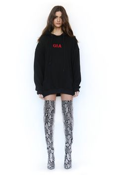 When a brand keeps popping up on different celebrities, you know it has to be good. The latest fashion sensation is I.Gia, an Australian clothing label that Thigh High Boots Outfit, Over The Knee Boot Outfit, Snake Print Boots, Snake Boots, Latex Fashion, Fashion Boots, Fashion 2017, Fast Fashion, Emo Fashion