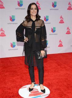 Julieta Venegas, la próxima vez que no sepas qué ponerte para un evento como este, mejor ni te presentes.