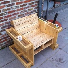 Teds Wood Working - Wood Profits - Self made pallet bench - Discover How You Can Start A Woodworking Business From Home Easily in 7 Days With NO Capital Needed! - Get A Lifetime Of Project Ideas & Inspiration! Wooden Pallet Projects, Wooden Pallet Furniture, Woodworking Projects Diy, Woodworking Furniture, Wood Pallets, Diy Furniture, Diy Projects, Pallet Ideas, Pallet Chairs