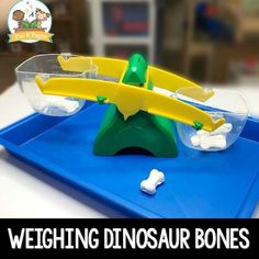 Make your own bones for a pretend play dinosaur theme. Your preschool, pre-k, or kindergarten kids will love weighing the bones! Dinosaur Theme Preschool, Fall Preschool, Dinosaur Bones, Preschool Themes, Preschool Science, Dinosaur Dinosaur, Reptiles Preschool, Preschool Classroom, Dinosaur Projects