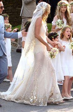 Wedding Veils : Picture Description Dreamy… John Galliano you may be crazy, but man can you create sheer splendour ! Headpiece Wedding, Wedding Veils, Bridal Headpieces, Wedding Hair, Bridal Hair, Bridal Gowns, Celebrity Wedding Dresses, Celebrity Weddings, John Galliano