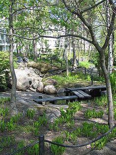 Roihuvuoren japanilaistyylinen puutarha – Wikipedia