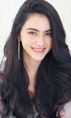 Beautiful Girl Image, Beautiful Smile, Most Beautiful Women, Real Beauty, Beauty Women, Hair Beauty, Mai Davika, Ulzzang Girl, Pretty Face