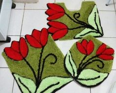 Kit Tapete banheiro 03 peças Locker Hooking, Rug Hooking, Crochet Butterfly, Punch Needle, Garden Design, Diy And Crafts, Cross Stitch, Embroidery, Sewing