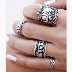 Cheap 4 pz/set epoca punk anello set unico intagliato argento antico elefante totem foglia fortunato anelli per le donne boho beach gioielli, Compro Qualità Anelli direttamente da fornitori della Cina:                  New Vintage Tibetan Silver Plated Unique Carving Metal Ring and Black Faux Stone Ring Se