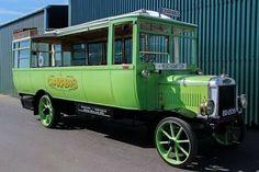 1921 Leyland G7 Dodson charabus, 1930 ...