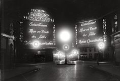 vintage everyday: Magnificent Black & White Vintage Photos of Paris at Night.  Les Galeries Lafayette (a Parisian department store that's been open since 1895), here in 1929. Fox Photos / Getty Images.