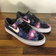En universo a tus pies con las Galaxy Nike de Stefan Janoski. Preciosas. GeneraciónBY.