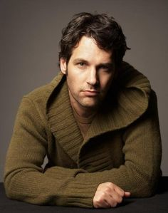 See Paul Rudd - all the latest professional men's hairstyle photos are showcased at FashionBeans. Find your perfect style and print it out so you can show it to your stylist and get the cut you really want. Paul Rudd Ant Man, Nova Jersey, Beautiful Men, Beautiful People, Nice People, Pretty People, Man Humor, Celebrity Crush, Hot Guys