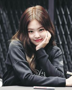 Kill this love Kim Jennie, Jenny Kim, Kpop Girl Groups, Korean Girl Groups, Kpop Girls, Blackpink Fashion, Korean Fashion, Chanel, Mode Ulzzang