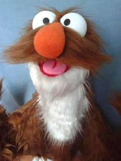 Sock Puppets, Hand Puppets, Home Crafts, Crafts For Kids, Types Of Puppets, Custom Puppets, Marionette, Puppet Making, Jim Henson