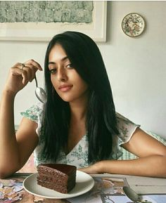 Anu Emmanuel is an Indian-American actress who famously known in the South Indian films industry. Check Anu Emmanuel Wallpapers and HD photos at Full Hd Photo, Anu Emmanuel, South Indian Film, Cute Girl Pic, South Actress, Hd Picture, Tamil Movies, Tamil Actress, Favorite Person