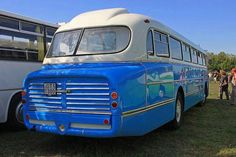 166 bus Luxury Bus, Bus Coach, Classic Motors, Classic Trucks, Old Cars, Motorhome, Jaguar, Cars And Motorcycles, Vintage Cars
