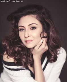 Saumya Tandon Unseen Images - Saumya Tandon Rare and Unseen Images, Pictures, Photos & Hot HD Wallpapers Indian Tv Actress, Indian Actresses, Beauty Art, Beauty Women, Unseen Images, New Gossip, Poses For Pictures, Hottest Photos, Indian Beauty