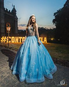 Cinderella Wallpaper, Prince And Princess, Decorating Blogs, Aesthetic Girl, Types Of Fashion Styles, Ideias Fashion, Ball Gowns, Instagram, Poses