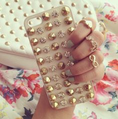 iPhone Case With Studs Bling Phone Cases, Cool Iphone Cases, Ipod Cases, Diy Phone Case, Cute Phone Cases, Iphone Phone Cases, Iphone 4, Phone Covers, Bff Cases