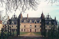 Chateau d'Escorpain / Escorpain's Castle, via Flickr.