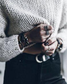 black and white style | chunky knit and black pants  Smykker - hvisk, Jane Kønig