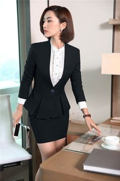 Classy Outfits For Women, Suits For Women, Clothes For Women, Business Outfits, Business Attire, Secretary Outfits, Modelos Fashion, Womens Dress Suits, Korean Street Fashion