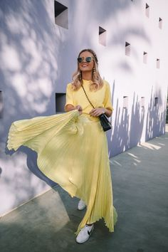 Yellow & 12 Things - Barefoot Blonde by Amber Fillerup Clark Skirt Fashion, Fashion Outfits, Fashion Ideas, Women's Fashion, Yellow Clothes, Barefoot Blonde, Preppy Girl, Fade Styles, She Is Clothed