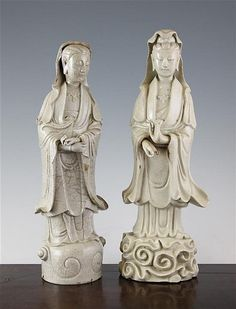 Two Chinese blanc de chine crackle glaze figures of Guanyin, Dehua, 17th / 18th century